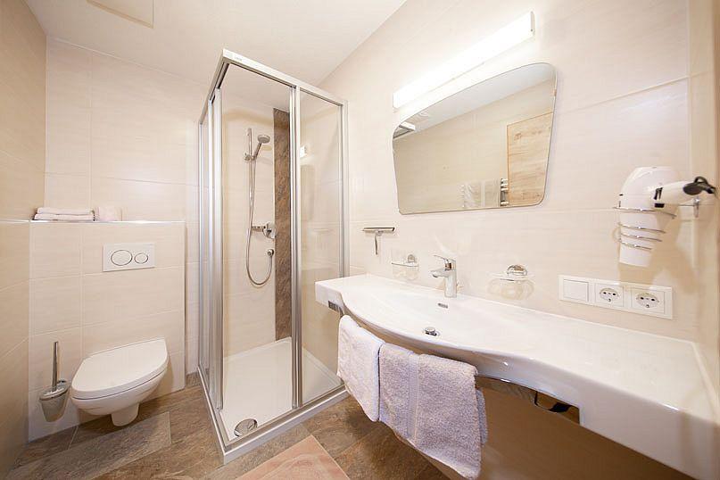Alpenstern-Appartement-Badezimmer